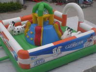 Inflatable Small Multifunctional Playground with Obstacle Course