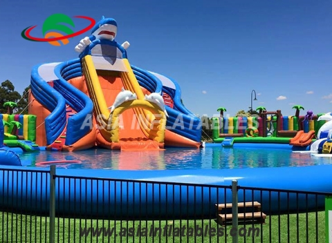 New Arrival of Giant Inflatable Water Park with Shark Slide